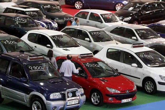 ¿Me puedo desgravar el IVA al comprar un coche de segunda mano?