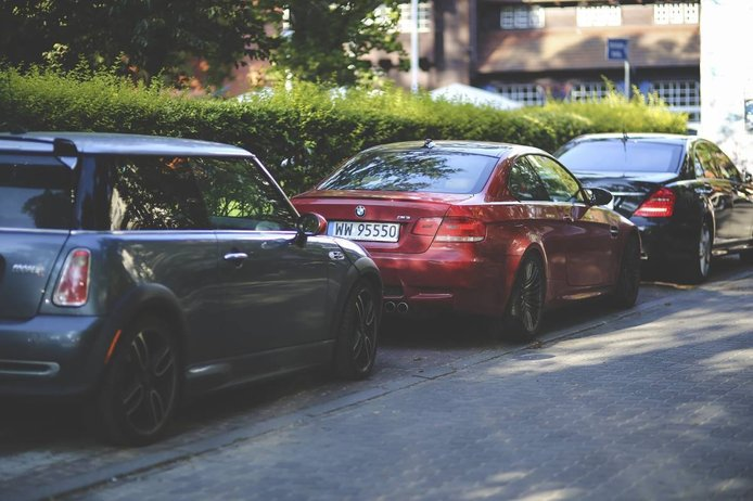 ¿Hay multa por tener el coche aparcado sin seguro?