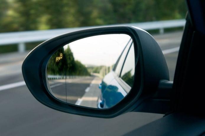 Cuáles son los espejos retrovisores obligatorios y cómo deben ser