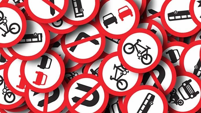 Las señales de tránsito que regulan el tráfico, ¿cuáles son y qué significan?