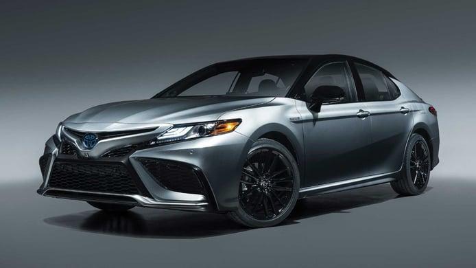El Toyota Camry se renueva: estas son todas las novedades del modelo 2021
