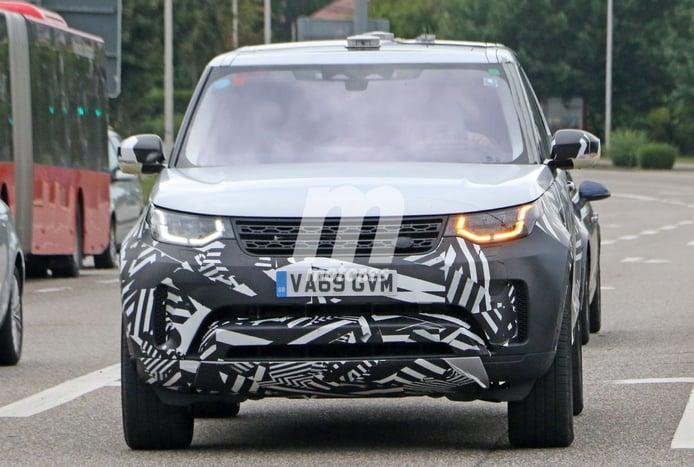 Nuevas fotos espía del Land Rover Discovery Facelift dejan ver novedades en su interior