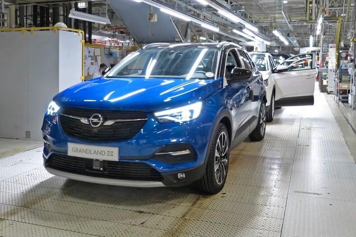 Opel Grandland X Hybrid sale de las líneas de producción rumbo a los concesionarios