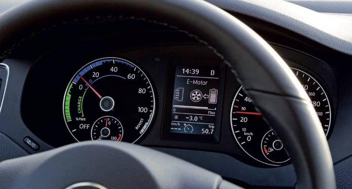 ¿Por qué el velocímetro del coche marca más velocidad que el GPS?
