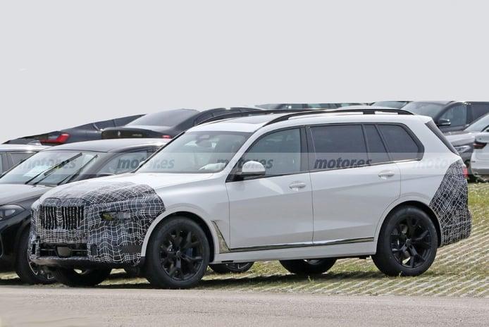 BMW X8 2022, primeras fotos espía del nuevo SUV alemán... ¡Camuflado como un X7 facelift!