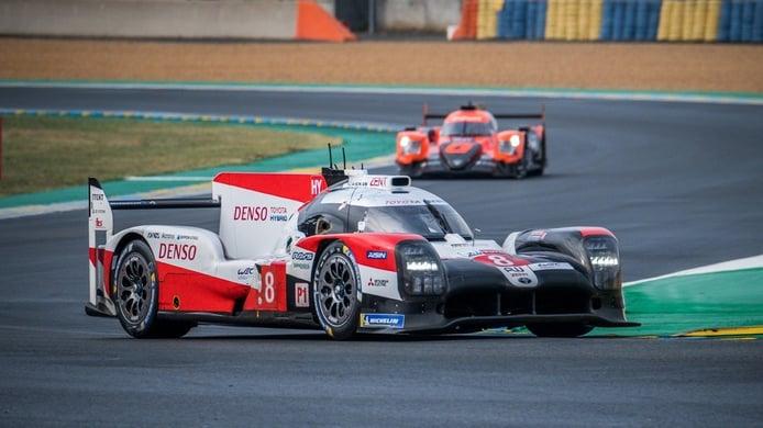 El Toyota #8 conquista sus terceras 24 horas de Le Mans consecutivas y el #7 culmina su maldición