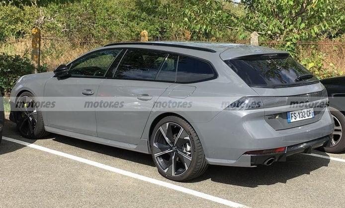 El nuevo Peugeot 508 SW PSE posa al descubierto en sus primeras fotos espía