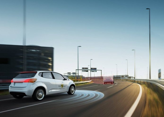 Euro NCAP presenta las nuevas pruebas de calificación del Asistente de Autopista