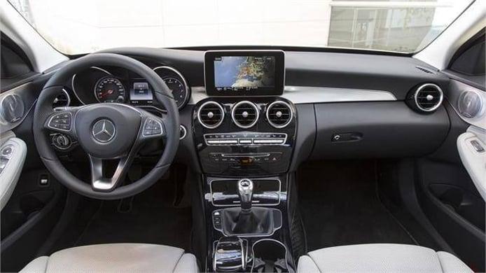 Mercedes recorta versiones y transmisiones, el primer paso para financiar más eléctricos