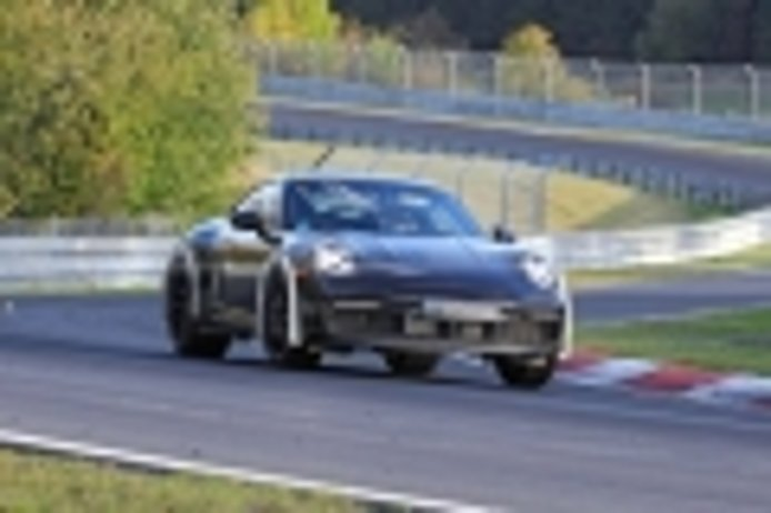 Una extraña mula del Porsche 911 nos hace pensar en la rumoreada versión Safari