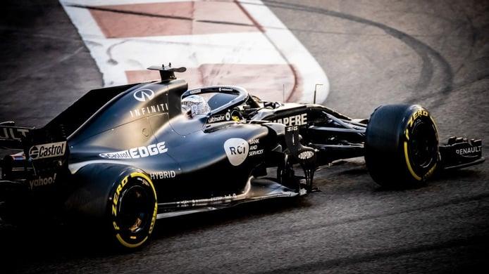Fernando Alonso completa 190 vueltas con el Renault R.S.18 en Abu Dhabi
