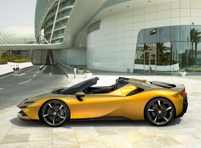 El Ferrari SF90 Spider se presenta como el descapotable más potente de Maranello