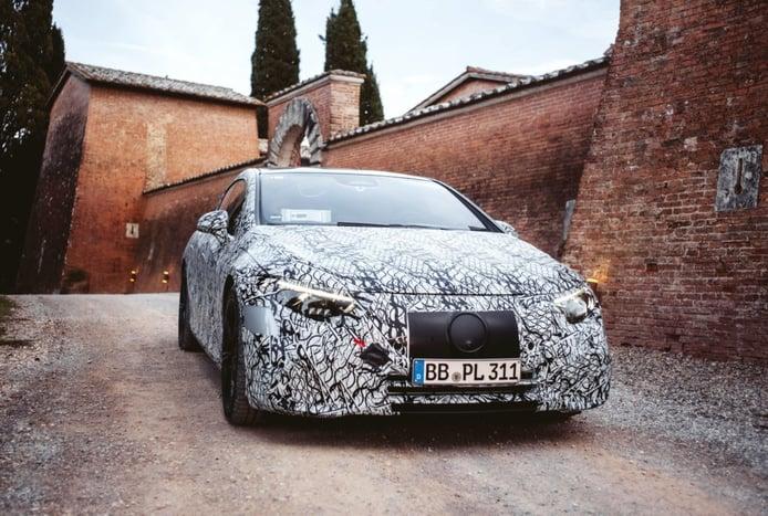 El Mercedes EQS 2022, la berlina eléctrica, debutará en verano con cuatro versiones