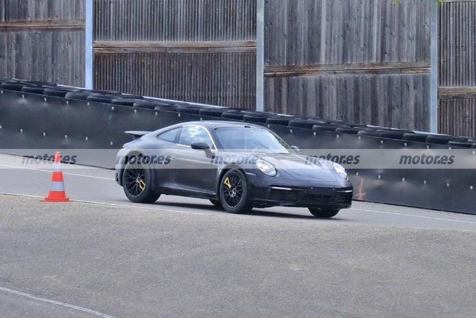 Nuevas fotos espía del Porsche 911 Safari, aparece una mula con una configuración inédita