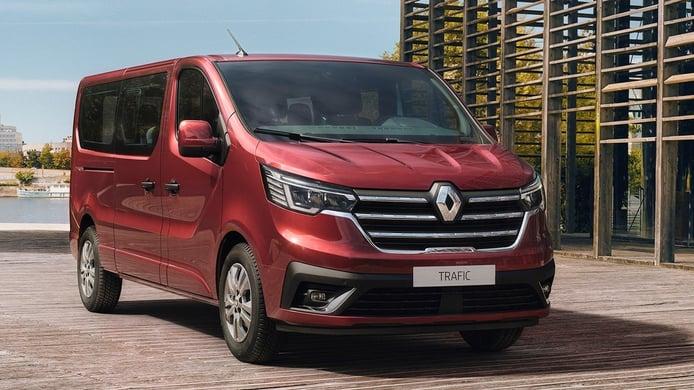 Renault Trafic 2021, la renovada furgoneta debuta en versiones Combi y SpaceClass