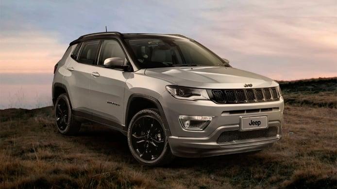 Brasil - Octubre 2020: El Jeep Compass resiste en un mercado a la baja