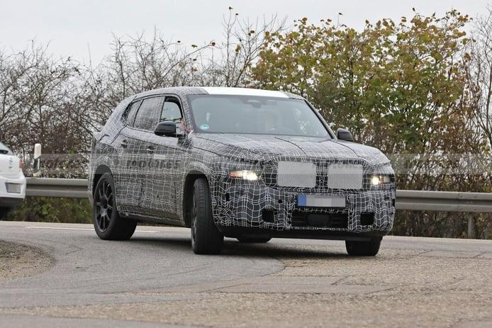 Los prototipos del nuevo BMW X8 se dejan ver en la calle desde más cerca