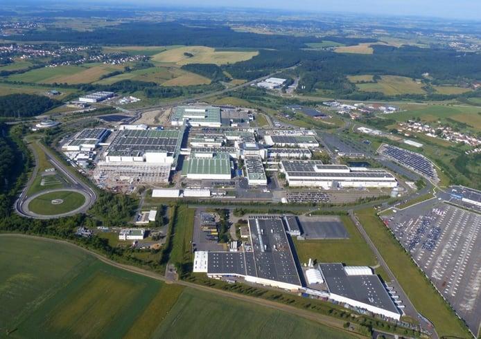 Es oficial: Daimler vende la fábrica de Hambach, la sede de los smart, a INEOS