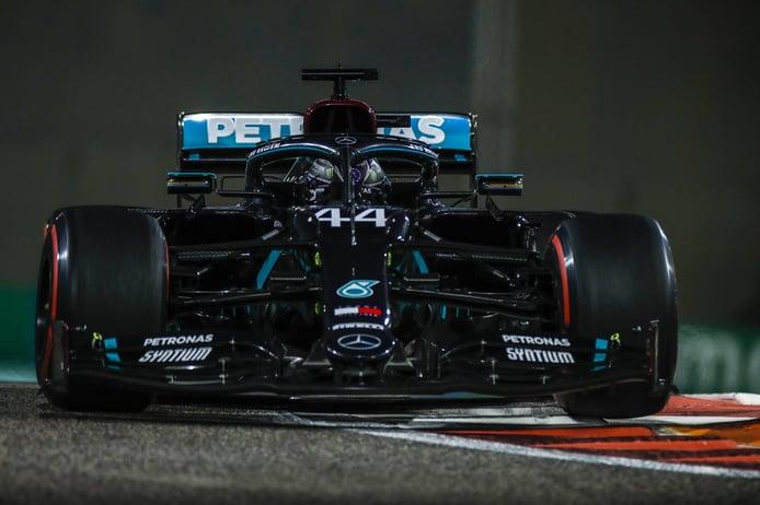 Hamilton, en su 'vuelta al cole' particular: «Russell ha hecho un trabajo increíble»
