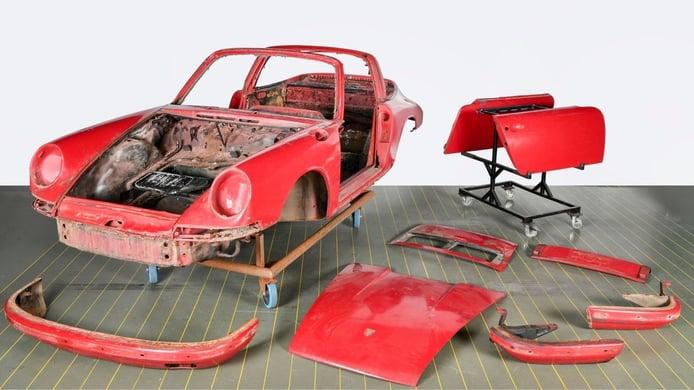 Porsche restaura el primer 911 Targa entregado en Alemania tras pasar 40 años abandonado