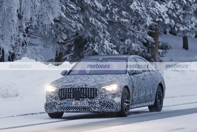 El nuevo Mercedes-AMG S 63 e 2022 afronta sus pruebas de invierno en Suecia
