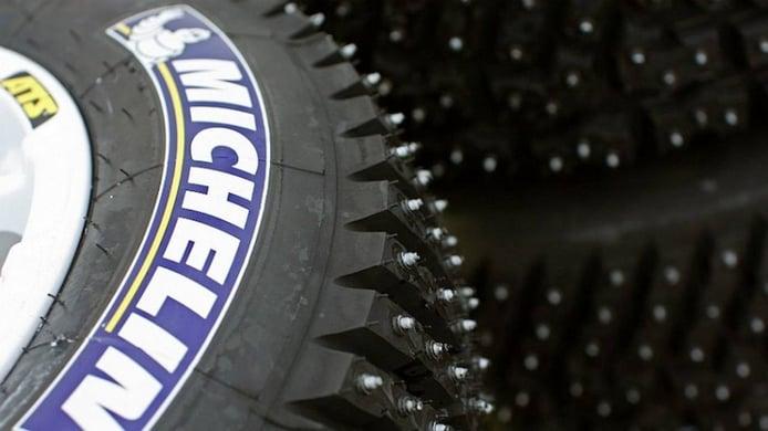 Neumáticos de clavos: ¿son una buena opción para el invierno en España?
