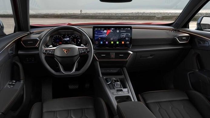 Los seguros de coches en Alemania cubren el uso de la pantalla táctil durante la conducción