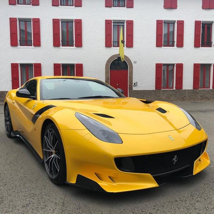 Los raros y destacables Ferrari amarillos: el único Ferrari F12tdf «120th Anniversary»