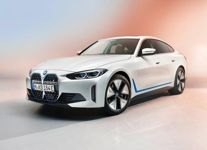 BMW i4 2022: primeras imágenes y datos oficiales del sedán de hasta 530 CV