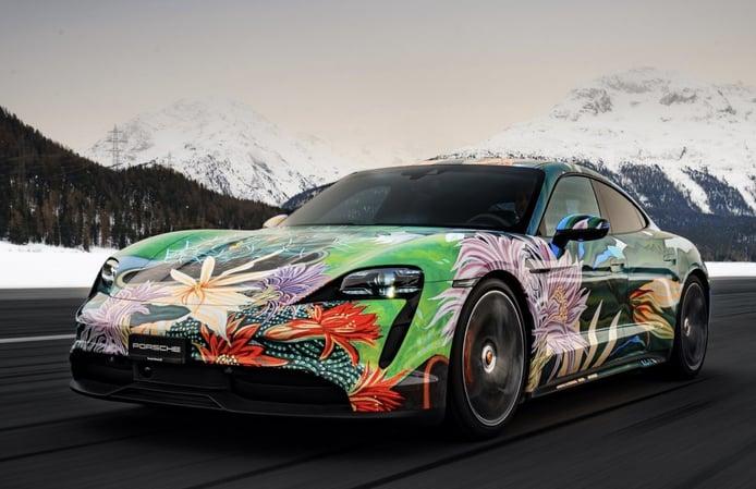 Sale a subasta el Porsche Taycan Artcar, el eléctrico más colorido
