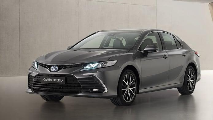 Toyota Camry 2021, precios y gama de la renovada berlina híbrida