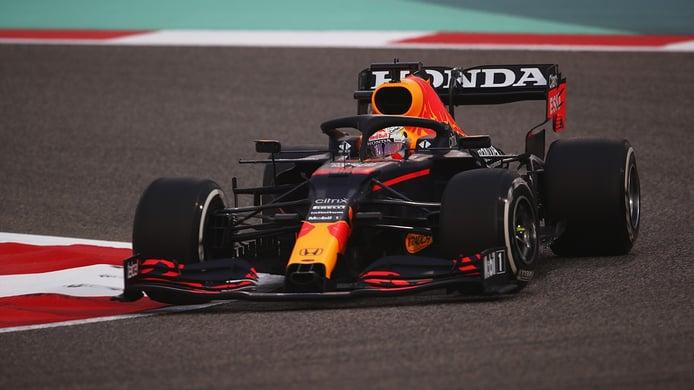 Verstappen cierra los test como la referencia, con Sainz muy fiable y Alonso con más dudas