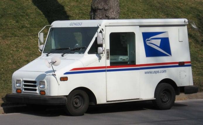 Más leña al fuego: US. Postal pide 2.000 millones más para electrificar toda su flota