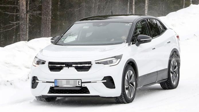 El nuevo Volkswagen ID.5, un SUV Coupé eléctrico, cazado en el norte de Europa