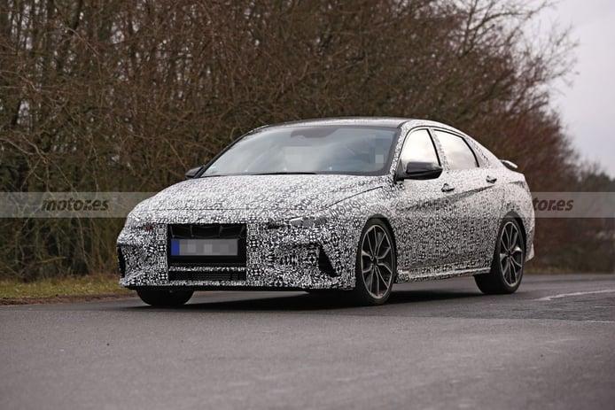 El futuro Hyundai Elantra N cazado en su configuración definitiva y más destapado