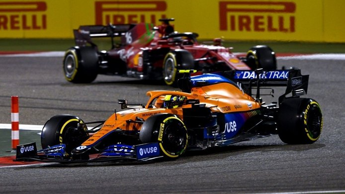 Sainz, sorprendido por las diferencias y similitudes del McLaren y el Ferrari