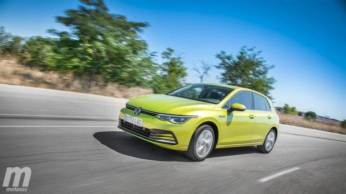 Alemania - Marzo 2021: El Volkswagen Golf amplía su ventaja