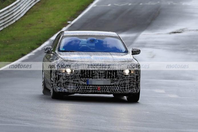 Nuevas fotos espía muestran prototipos del BMW Serie 7 2023 en Nürburgring