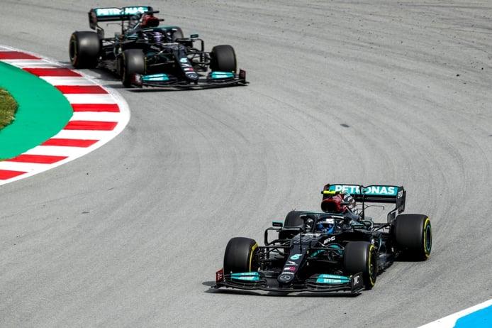 Bottas y su reticencia a dejar pasar a Hamilton: «No estoy aquí para eso»