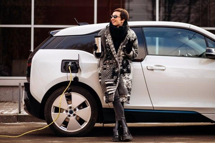 Cargar un coche eléctrico: esto es lo que hay que saber