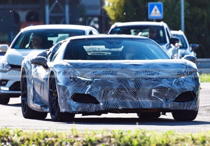 ¡Cazado! Primeras imágenes del nuevo V6 híbrido de Ferrari con su carrocería real