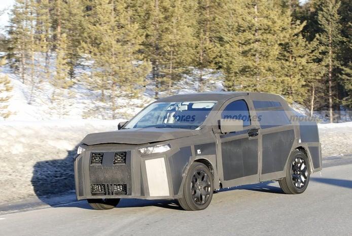 Las mulas del FIAT Fastback 2022 se vuelven a dejar ver fuertemente camufladas