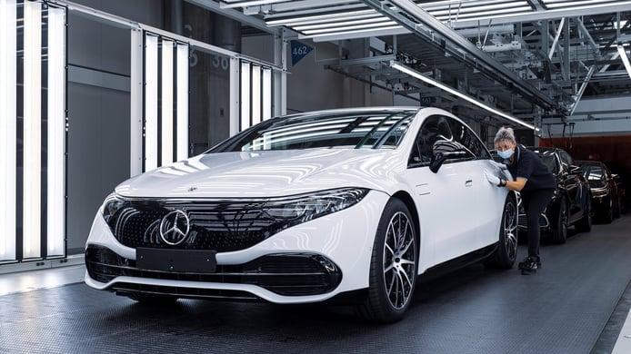 El Mercedes EQS inicia su producción en la ultratecnológica 'Factory 56'