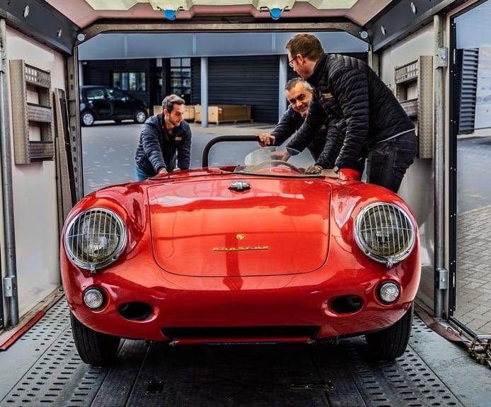 El Porsche 550 Spyder rescatado de un contenedor ya se encuentra en Europa