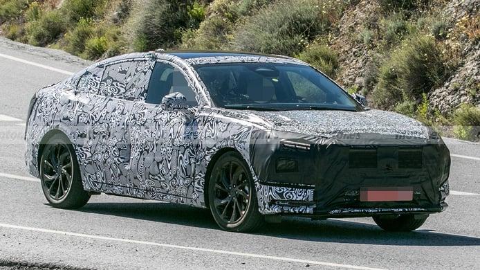 El sustituto del Ford Mondeo, la popular berlina americana, cazado al detalle