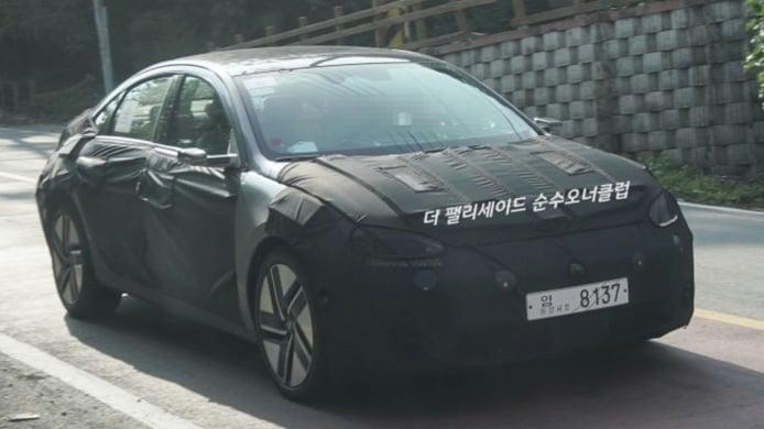 El esperado IONIQ 6, el nuevo coche eléctrico de Hyundai, cazado por primera vez