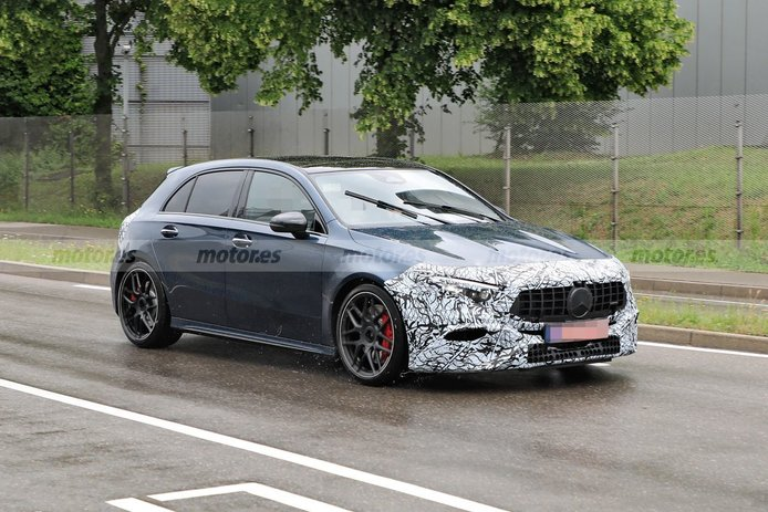 El facelift del Mercedes-AMG A 45 se deja ver por primera vez