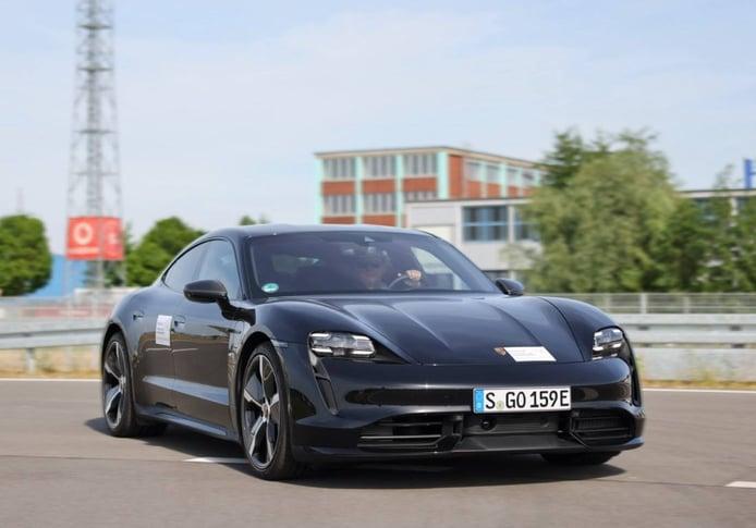 La gama de Porsche contará con una tecnología de alertas 5G en tiempo real