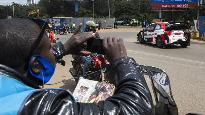 Sébastien Ogier manda en Nairobi y es el primer líder del Safari Rally