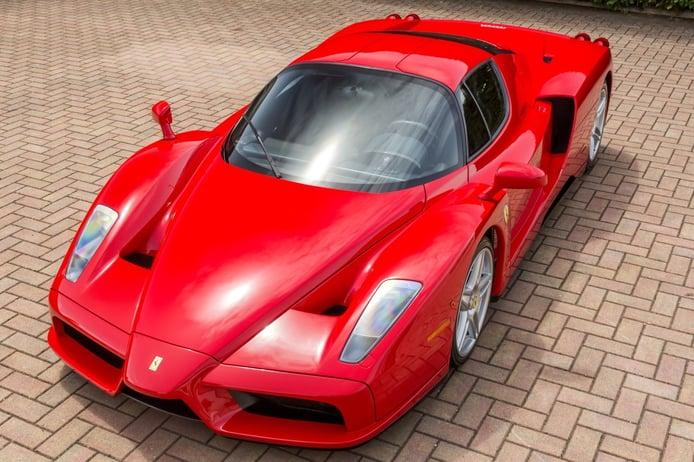 El jefe de Mercedes F1 vende sus Ferrari de edición limitada para usar solo eléctricos